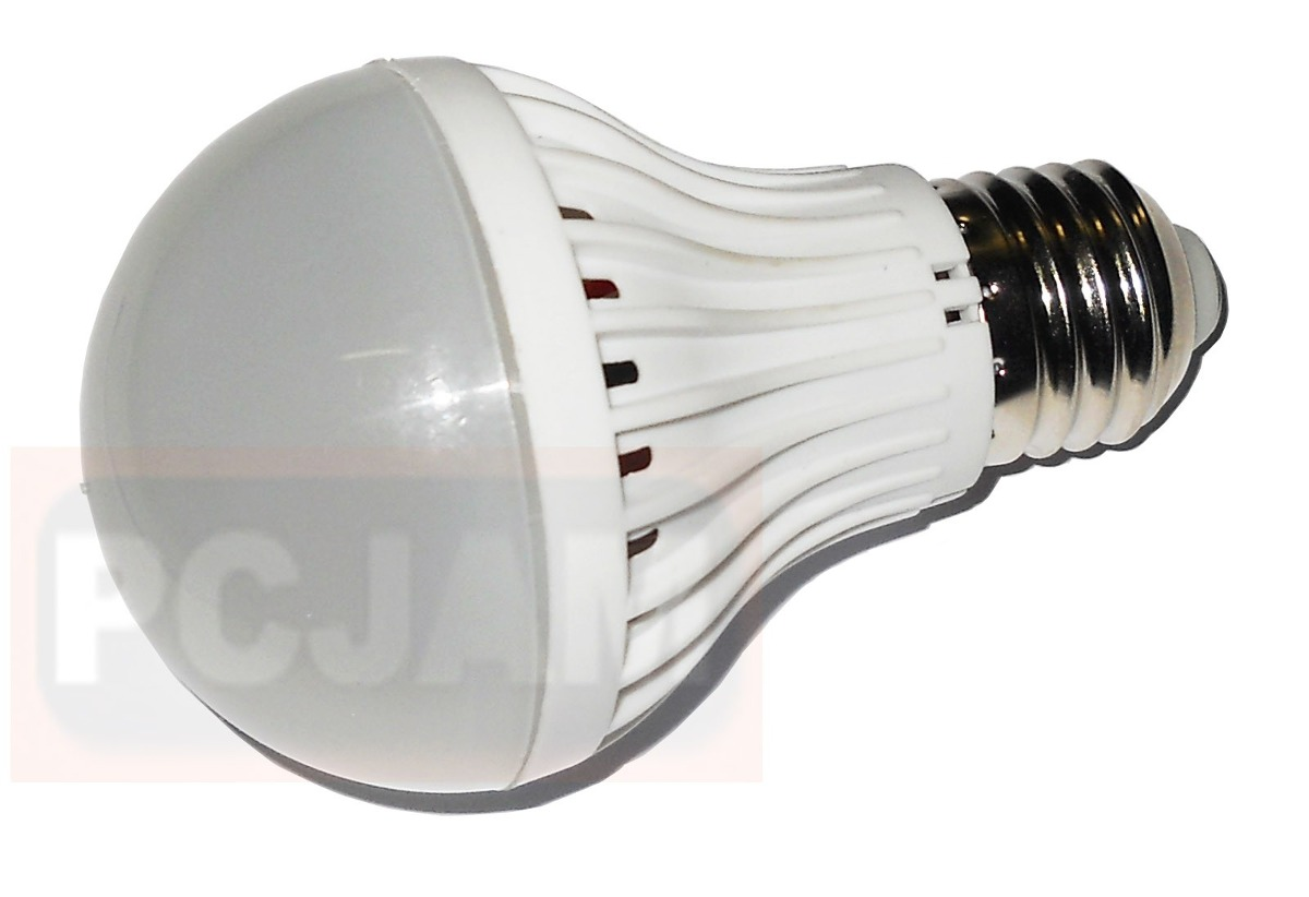 Ampolleta 8 led luz blanca calida 5w 220v base e27 for Luz blanca o calida
